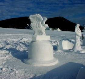 Awesome snow sculptures in Jackson, NH